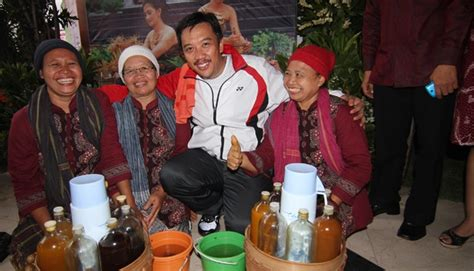 Biography Kivlan Zein | malaysia to build herbal medicine factory in kar