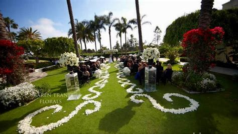 Wedding Aisle Runner Outdoor petal aisle runners create a personalised entrance at