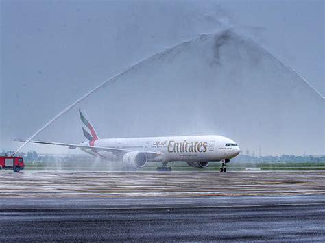 emirates yangon emirates airlines se pose 224 yangon et hanoi air journal