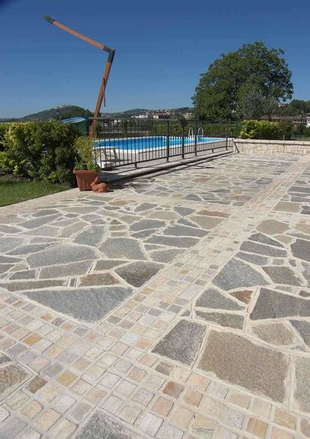 pavimenti in luserna pavimento per esterni in pietra naturale pietra di luserna