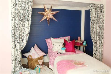 remodelaholic ettas pink  navy bed nook