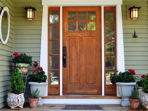 ways  decorate  front porch  entryway hgtv