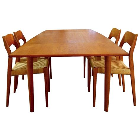 Modern Dining Tables And Chairs Mid Century Modern Teak Niels Moller Expandable Dining Table And 4 Chairs At 1stdibs