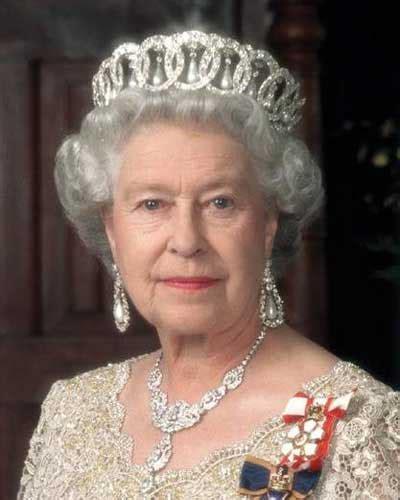 Isabel II, reina de Inglaterra : Vidas Famosas