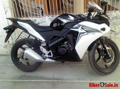 honda cbr 150r black and white honda cbr 150 black and sunbeam white www imgkid com