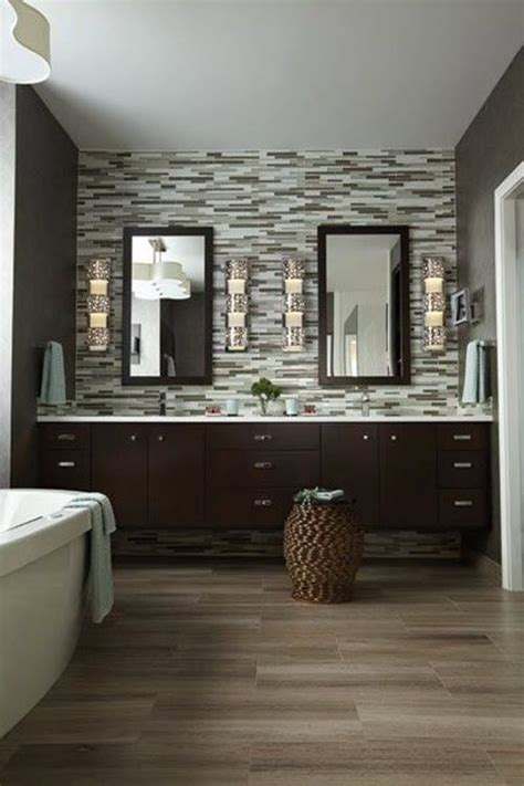 Bathroom Vanity Tile Ideas by Best 25 Brown Tile Bathrooms Ideas On Brown