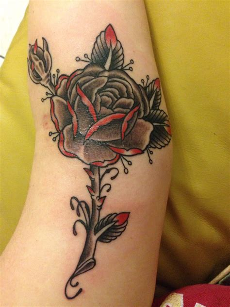 black rose tattoo anderson in black grey with done at kreepy tiki