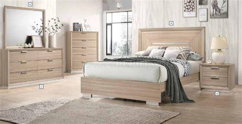 lynncrest pc bedroom set   rustic beige  coaster