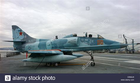 marine fuel tanks melbourne a 4 skyhawk top gun aggressor squadron uss hornet flight