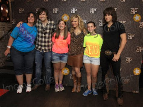 neil fan club photos and pictures june 7 2012 nashville tn the