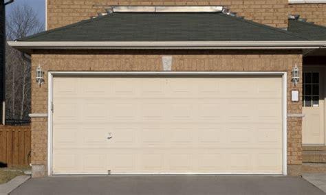 Garage Door Pros The Pros And Cons Of Sectional Garage Doors Smart Tips