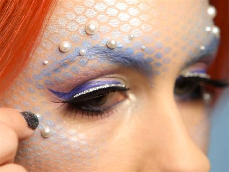 tutorial makeup mermaid halloween mermaid makeup for adults hgtv