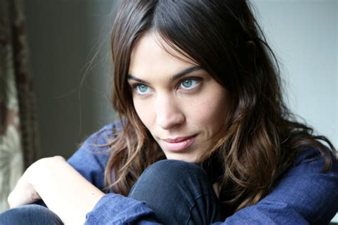 alexa secrets alexa chung shares her makeup and hair secrets oh no they didn t
