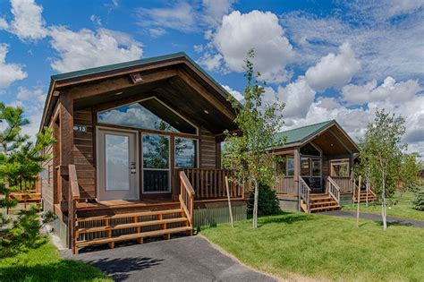 Yellowstone Vacation Cabins by Yellowstone National Park Cabins Explorer Cabins West