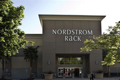 Nordstram Rack by Nordstrom Rack The 10 Lamest Department Stores In