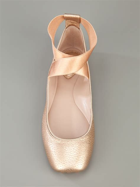 flats that look like ballet shoes flats made to look like pointe shoes we how to do it