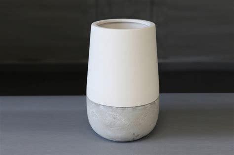 ceramic and concrete vase doronlivne en