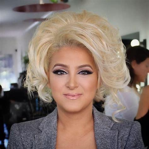 video feminine man getting a bouffant hair style big blonde hair teased hair pinterest photos