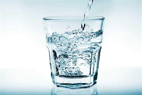 el agua o los vasos de agua de la boveda espiritual vaso de agua