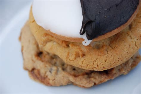 a leg l cookie cupcakes and crablegs cookies and other indulgences