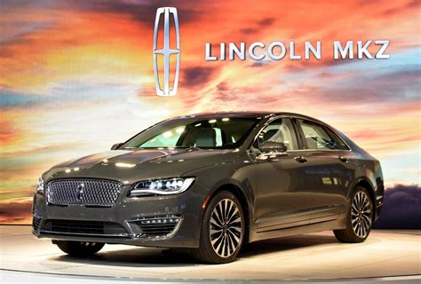 ford of lincoln 2017 lincoln mkz tries to look better than the