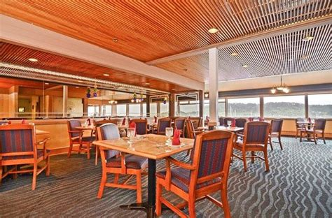 chart room restaurant 301 moved permanently