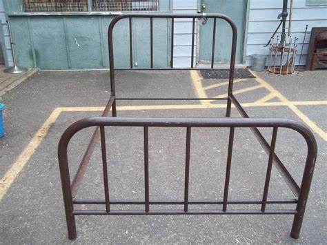 Determine Age Of Antique Metal Bed Frame Antique Cast Iron Bed Frames For Sale Into The Glass Strong And Antique Iron Beds Decor
