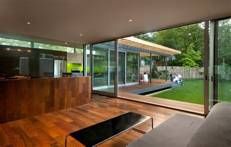 casa abierta courtyard house  large sliding glass doors