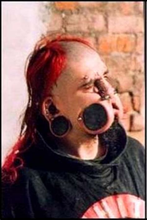 blinding body modifications zygzags mouth plates