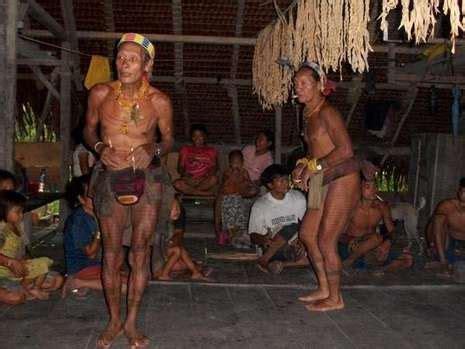 tato suku mentawai dan artinya suku mentawai dan dayak mendunia lewat tato
