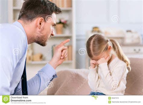 padrastro y su hija cogen padre coge hija japonesa hija y su mama cogen girls room
