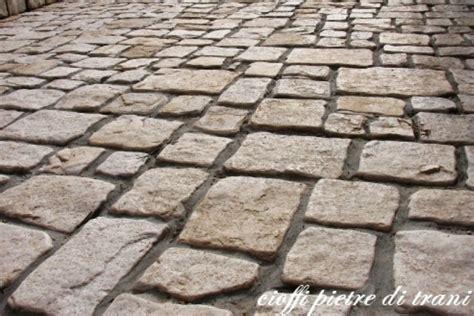 piastrelle pietra piastrelle in pietra di trani anticata