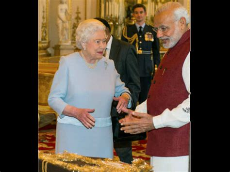 queen elizabeth biography in hindi pics 90 वर ष क ह ई क व न एल ज ब थ क स रहत ह इतन