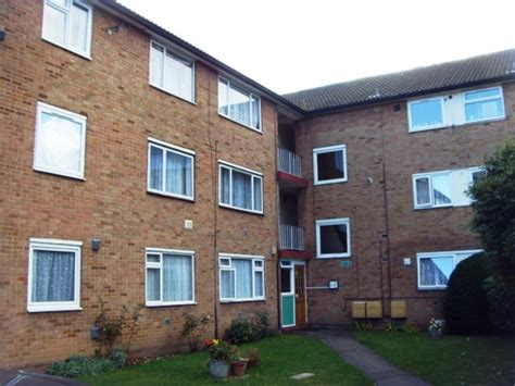 2 bedroom house to rent in hounslow 2 bedroom house to rent in hounslow 2 bedroom flat to rent in sefton court hounslow tw3