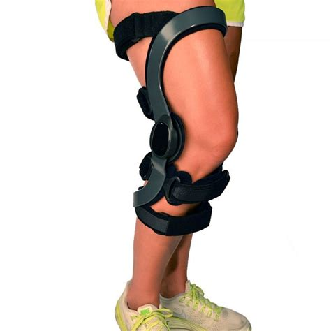 torn acl brace 19 best images about sports injuries athletic protection braces supports