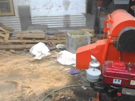 Jual Batok Kelapa Sawit mesin pengupas serabut kelapa doovi