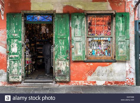 design quarter art shop voodoo shop in the french quarter new orleans stock photo