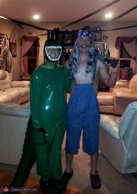 swamp people bruce  gator couple costume