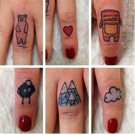 tatuaggio interno dita tatuaggio sulle dita una guida e 55 foto da cui prendere