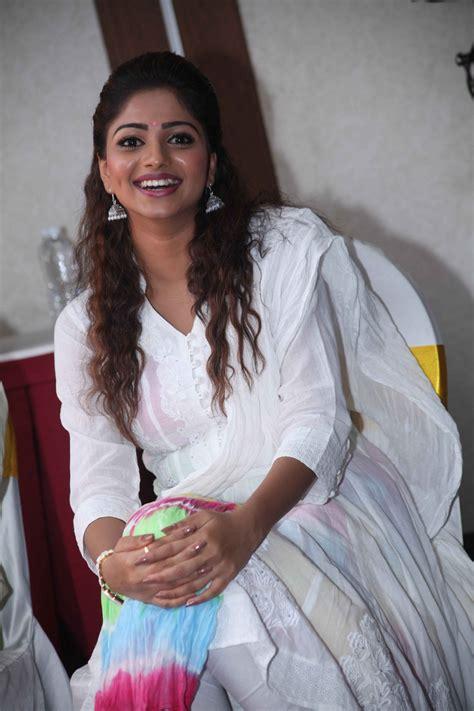 zee kannada heroine photos rachita ram the dimple queen of sandalwood movieraja