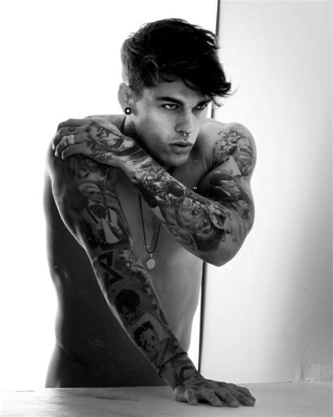 tattoo models on instagram iωk damn garotos descolados model male man homen