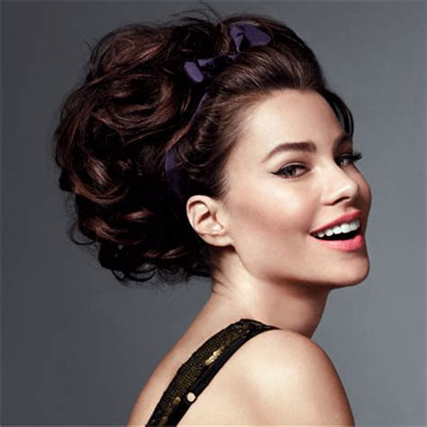 pictures of hair styles that make a big nose look smaller 5 ways to style your hair for your work christmas party
