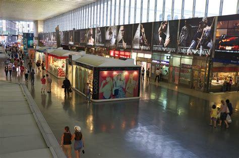 libreria termini stazione shopping alla stazione termini negozi per tutti i gusti