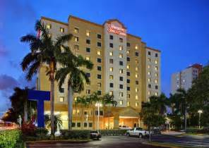 inn miami book hton inn suites miami airport south blue