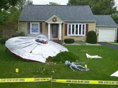 ufo crash site halloween yard decoration pictures photos