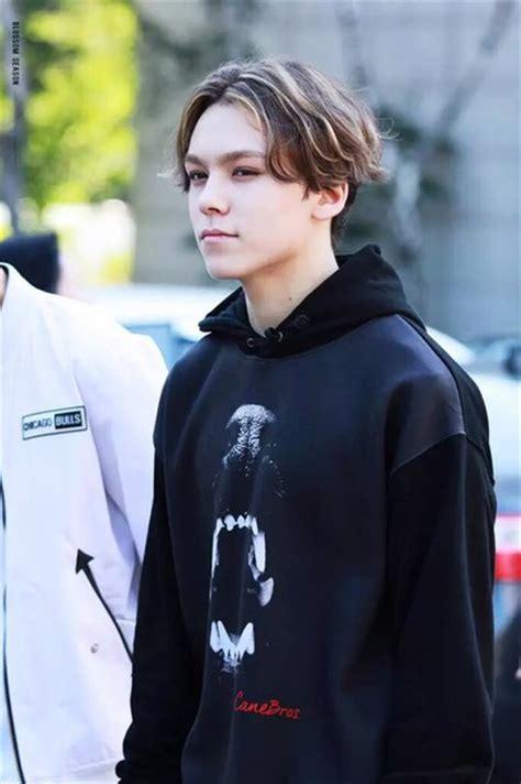 Sweater Seventeen Black jacket black vernon seventeen black hoodie mens