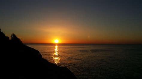 imagenes de tranquilidad reflexivas foto gratis amanecer tranquilidad sol mar imagen