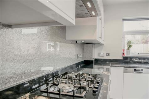 Finishing Touches: Kitchen Glass Splashbacks   Love Chic Living