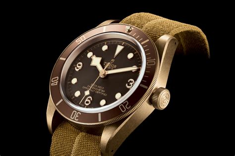 Tudor Heritage Black Bay Bronze 79250BM, with larger case and manufacture movement for