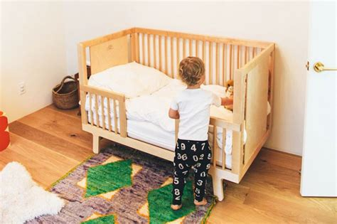 When To Transition From Crib To Toddler Bed How To Make The Crib To Toddler Bed Transition Baby To Crib Transition 11